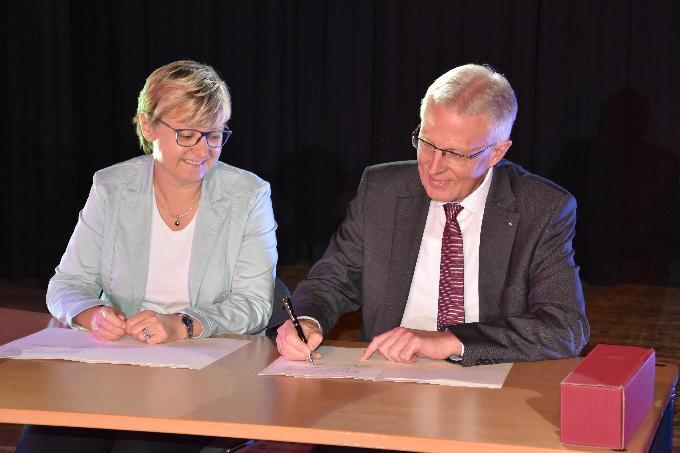 Unterschrift der Kooperationsvereinbarung